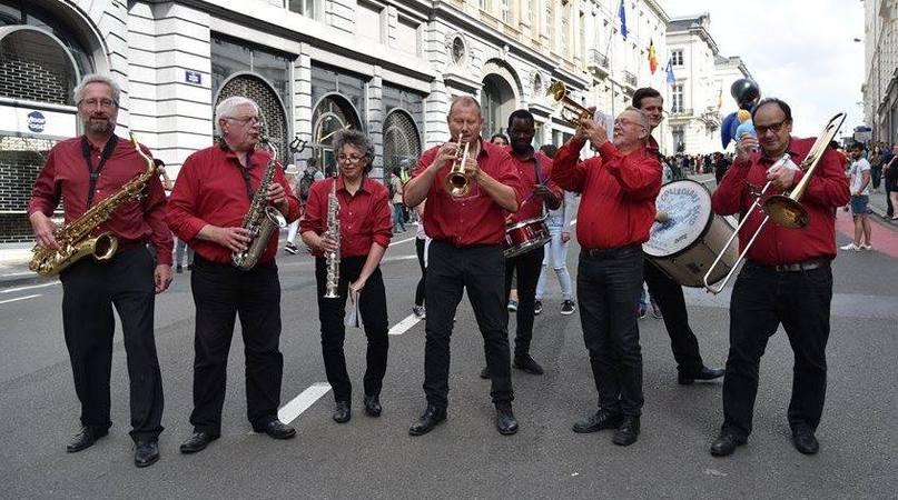 """Résultat de recherche d'images pour """"""""Collegians Band"""" photos"""""""
